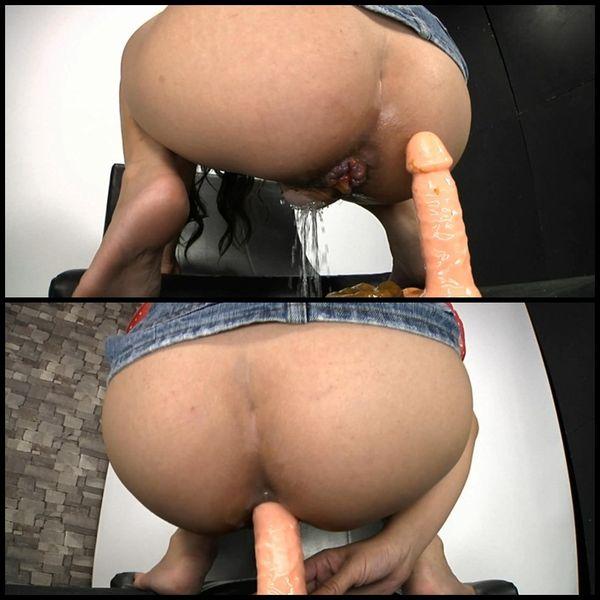 Scatologic Anal Masturbation 26