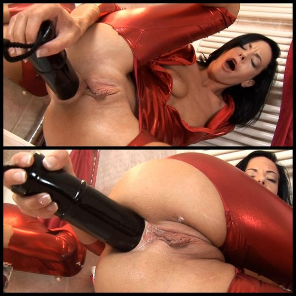 Aliz's Brutal Experience, Solo Huge Anal Dildos
